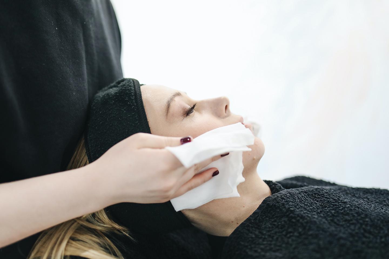 Chăm sóc da như một chuyên gia LVES: TONER