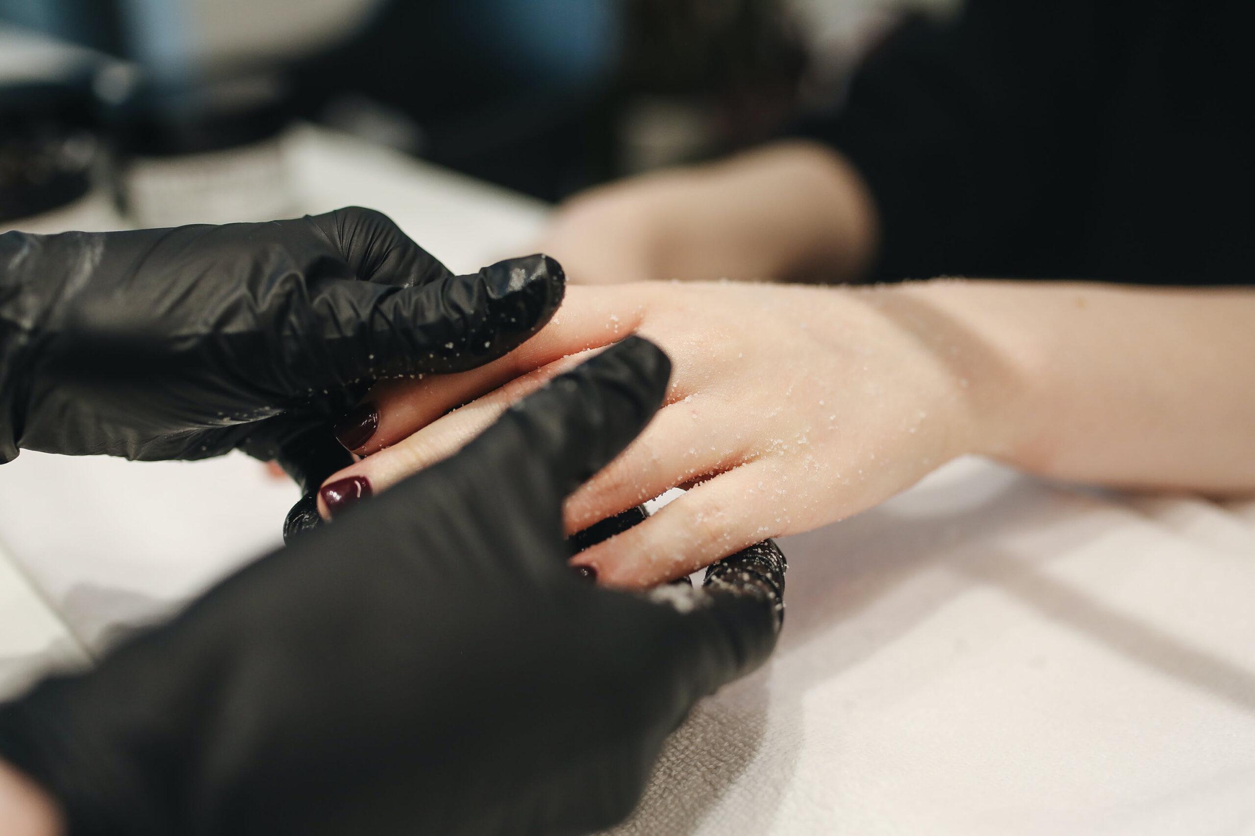 Các phương pháp chăm sóc da bàn tay