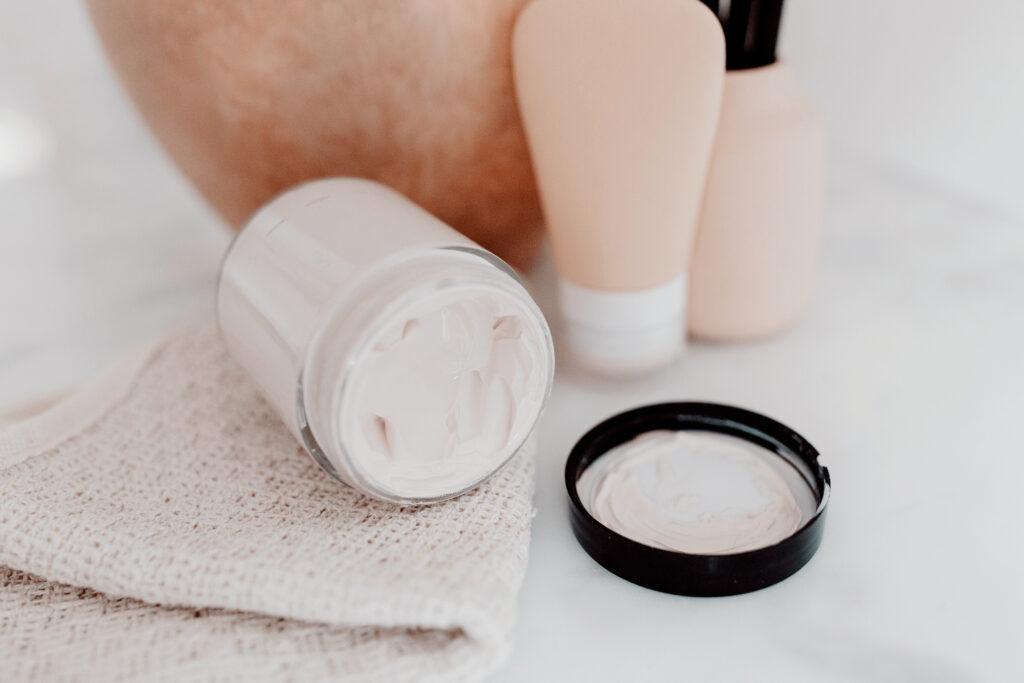 12 thành phần phổ biến trong mỹ phẩm bạn nên tránh